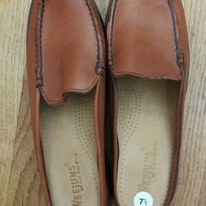 Woman's G.H. Bass WEEJUNS Brown Leather Slide Mule